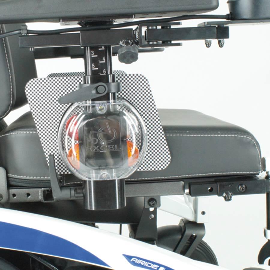 Die Beleuchtung des UHC Elektrorollstuhls Airide Go Compact ist nach StVZO stoßgeschützt
