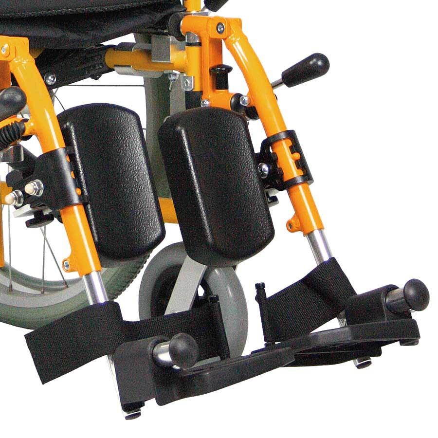 Das UHC Rollstuhlmodell G3 Paediatric höhenverstellbare Beinstützen Code 32